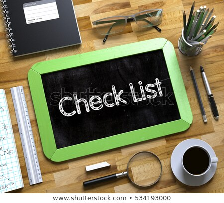 verificar · lista · vermelho · isolado · branco - foto stock © tashatuvango