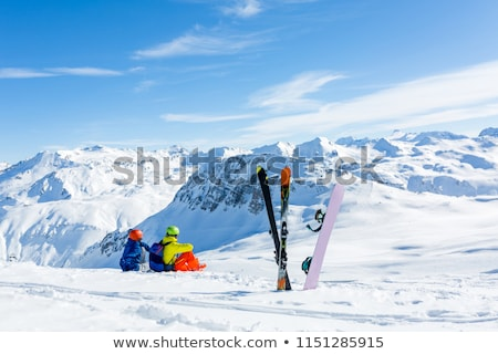 mulher · top · montanha · esqui · sol · neve - foto stock © pkirillov