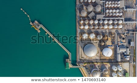 油 · ストレージ · 曇った · 空 · 建設 - ストックフォト © leonardi