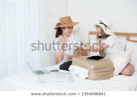 Dois atraente jovem meninas mulheres compras Foto stock © juniart