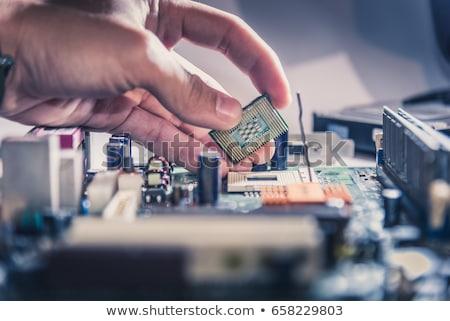 microprocesseur · main · humaine · isolé · blanche · ordinateur · fond - photo stock © simazoran