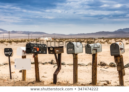 Strada e-mail marketing uomo suit business Foto d'archivio © fuzzbones0
