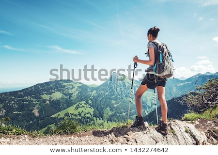 silueta · mujer · montana · blanco · negro · turísticos - foto stock © pancaketom