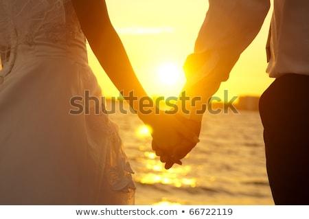 rodziny · trzymając · się · za · ręce · szczęśliwy · asian · zewnątrz - zdjęcia stock © koca777