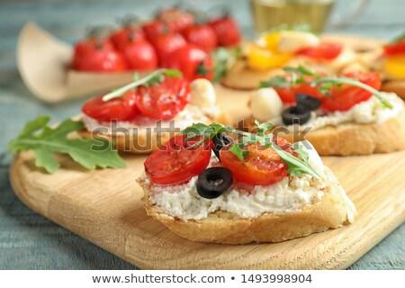 bruschetta · sanduíche · foco · mini · vegetariano - foto stock © badmanproduction