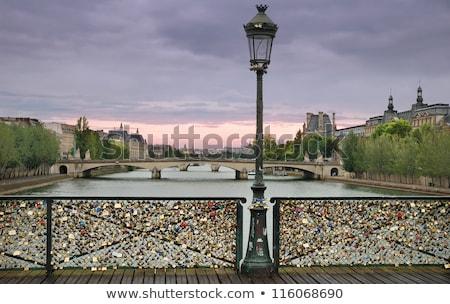 miłości · Paryż · most · para · podpisania · grupy - zdjęcia stock © chrisdorney
