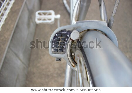 moto · robo · ladrón · apertura · bloqueo · bicicleta - foto stock © foka