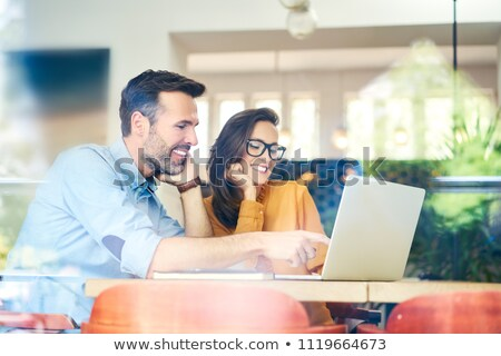 Zakelijke relatie vergadering zakenman zakenvrouw samen Stockfoto © Lightsource