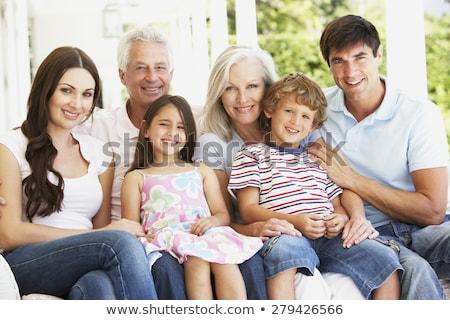Grupo retrato família varanda homem parede Foto stock © IS2