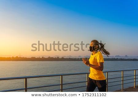 fille · cycliste · jeune · femme · vélo · isolé - photo stock © deandrobot