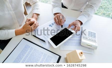 Empregado reunião corretor corretor de imóveis contato apartamento Foto stock © snowing
