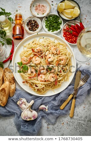 Spaghetti witte keramische plaat geserveerd glas Stockfoto © dash