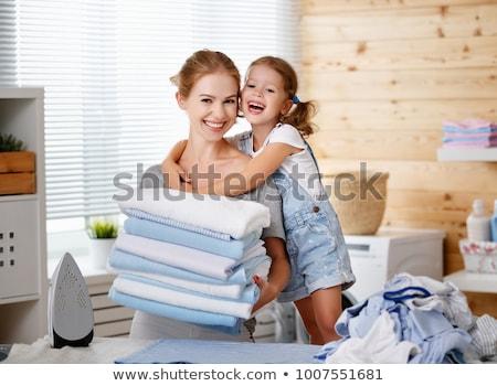 ev · kadını · kırmızı · zencefilli · çörek · portre · genç - stok fotoğraf © ssuaphoto
