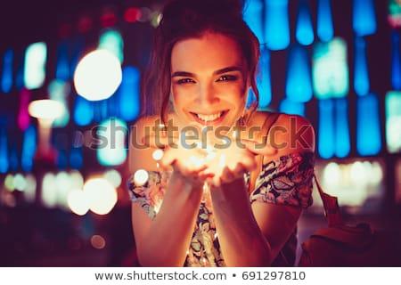 vrouw · christmas · licht · guirlande · portret · jonge - stockfoto © zastavkin