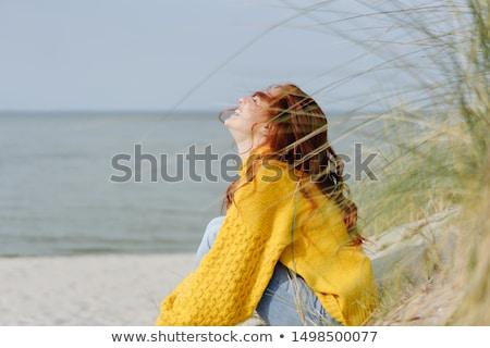 Kadın kumul yetişkin deniz gülümseme ahşap Stok fotoğraf © fotorobs