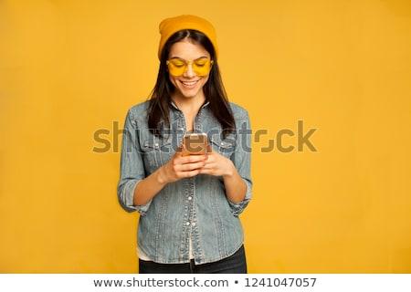 células · camisa · mujer · mano - foto stock © feedough