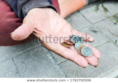 Arme mannelijke bedelaar vragen liefdadigheid geld Stockfoto © stevanovicigor