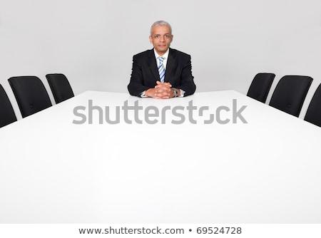 小さな · ビジネスマン · だけ · 会議室 · 弁護士 · ノートパソコン - ストックフォト © dotshock