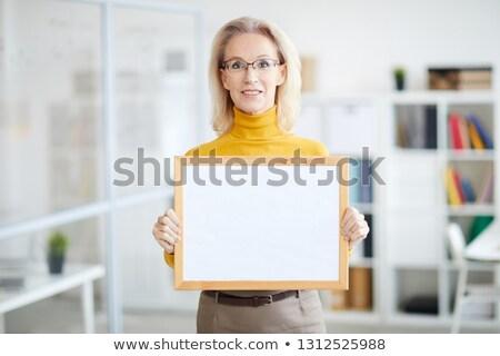 Stock fotó: Portré · üzletasszony · tart · tábla · iroda · arc