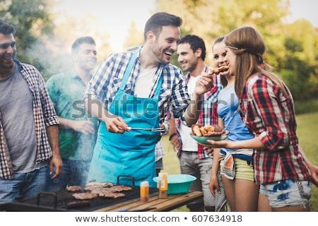 kaukázusi · barátok · szórakozás · barbecue · buli · iszik - stock fotó © rastudio