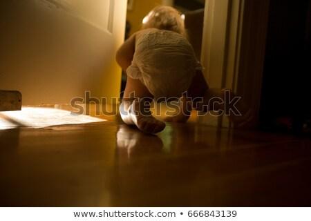 Baby jongen kruipen deuropening mannelijke zonlicht Stockfoto © IS2