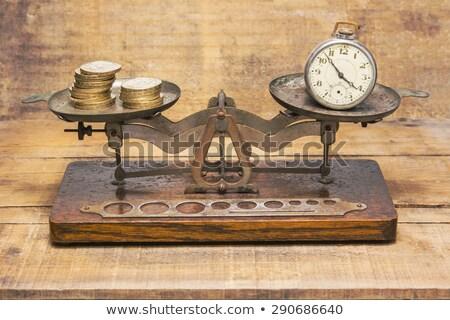 Relógio de bolso peso escala dinheiro tempo Foto stock © wavebreak_media