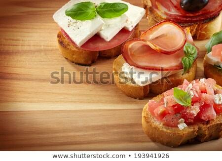 tapas · bruschetta · szalonna · zöldségek · sonka · fokhagymás · kenyér - stock fotó © joannawnuk