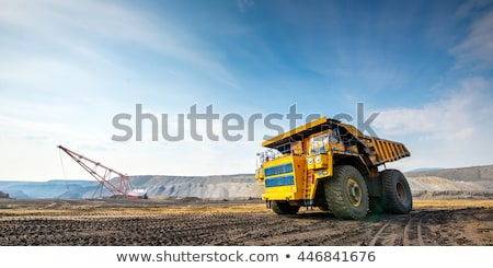 grande · escavadora · detalhado · imagem · amarelo · isolado - foto stock © rastudio