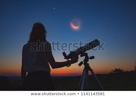 Nina mirar eclipse ilustración mujer sol Foto stock © adrenalina