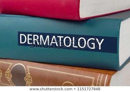 Libro título dermatología escrito espina libros Foto stock © Zerbor