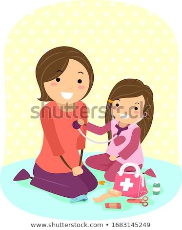 мало · Kid · девушки · играет · ребенка · кукла - Сток-фото © pikepicture