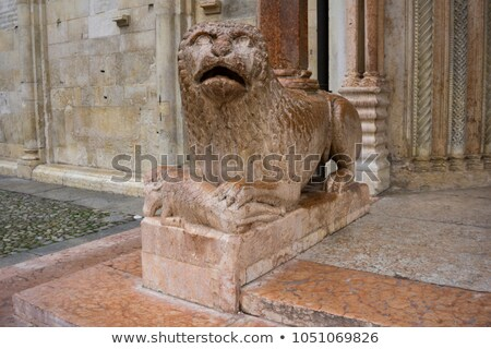 Escultura león orar Italia vista edificio Foto stock © boggy