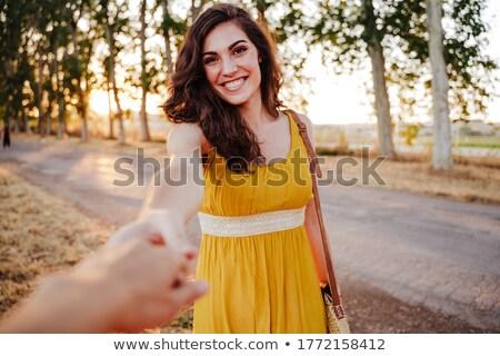 Bana kadın erkek arkadaş seyahat üst dağ Stok fotoğraf © olira