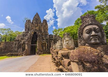 Camboja angkor portão misterioso sorrir buda Foto stock © raywoo