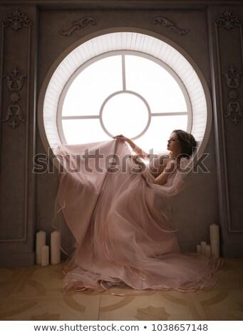 pensativo · retro · mulher · vintage · roupa · sessão - foto stock © peterveiler