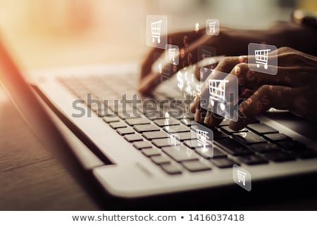 доставки руки экране компьютера Сток-фото © frannyanne