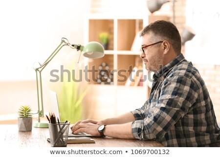 Masculina de trabajo maduro persona potable Foto stock © Lighthunter
