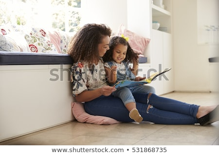 Mutter Tochter Kleben Aktivität mum Kinder Stock foto © godfer