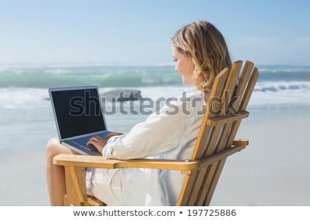 elegante · meisje · schommelstoel · vergadering · vintage · vrouw - stockfoto © konradbak