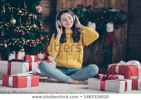 幸せ · アフリカ · 女性 · 音楽を聴く · ヘッドホン · 小さな - ストックフォト © dash