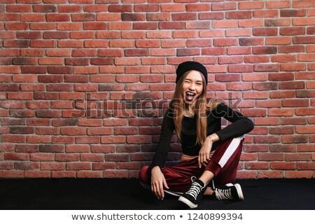 hip · hop · tancerz · młoda · kobieta · ściany · moda · ulicy - zdjęcia stock © deandrobot