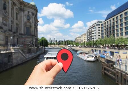 Adam kırmızı işaretleyici nehir Berlin Stok fotoğraf © nito