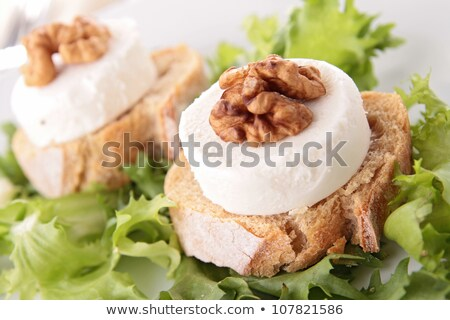 Salade walnoot brood geitenkaas diner dining Stockfoto © M-studio