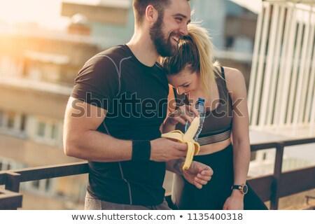 Foto stock: Moço · dois · belo · mulheres · bananas · isolado
