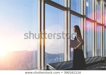 genç · kadın · düşünme · parmak · çene · el · yüz - stok fotoğraf © maridav