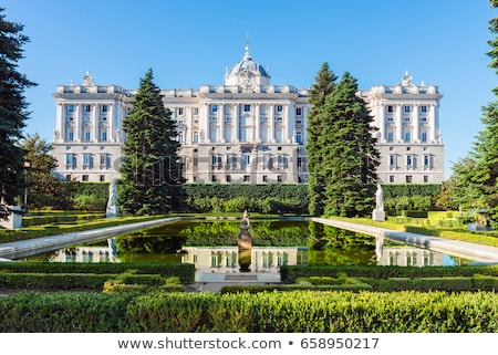 real · Madrid · vista · real · palacio · residencia - foto stock © dinozzaver