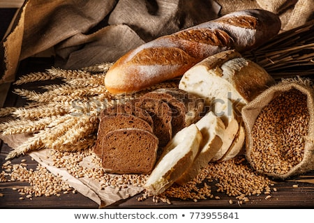 Pan edad mesa de madera alimentos Foto stock © Yatsenko