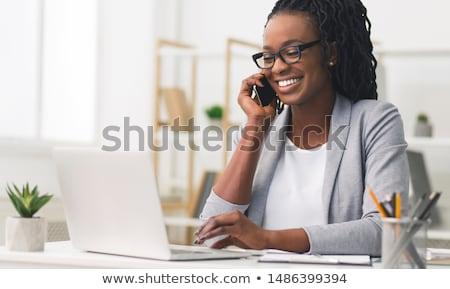 ビジネス女性 · 話し · 電話 · 写真 · 幸せ · 黄色 - ストックフォト © kurhan