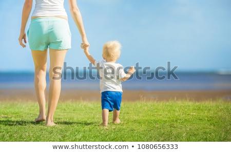 матери · молодые · сын · играет · воды · смеясь - Сток-фото © galitskaya