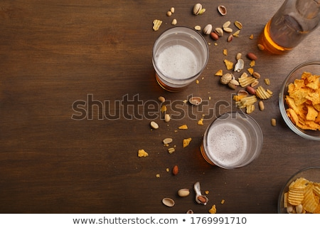 Stok fotoğraf: Bira · fındık · çanak · üst